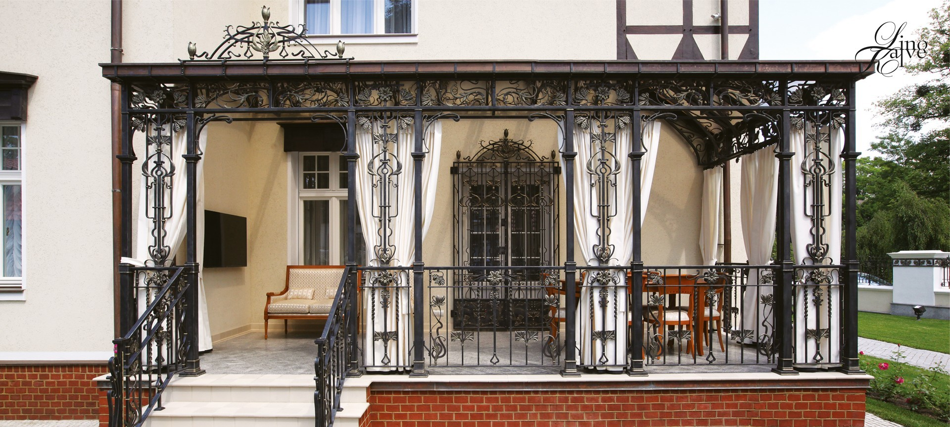 PRIVATE RESIDENCE. TERRACE